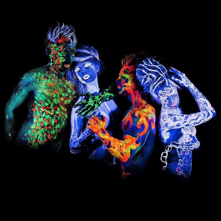 Illumina il tuo corpo con la pittura per Body Painting Fluorescente che è popolare non solo tra le feste di Body Panting ma anche nell'utilizzo a casa. Seguici su Facebook  #eccoperchesonoalverde #ideeregalo #divertente #frasidivertenti