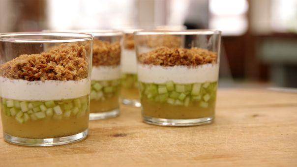 Eén - Dagelijkse kost - Rabarber met gelei van rabarber, yoghurtmousse met limoen