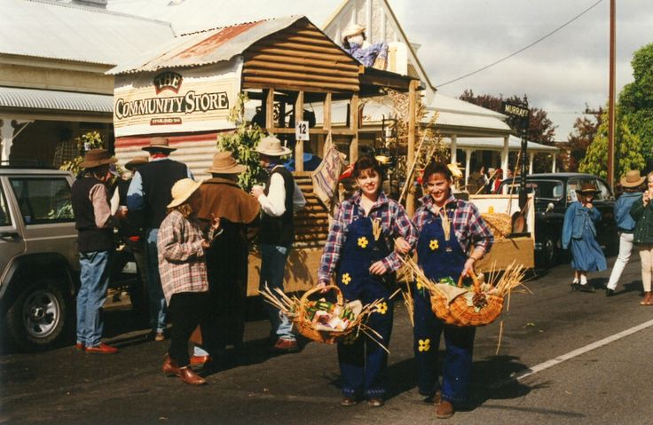One of the fabulous Barossa Vintage Festival floats from years past. Anyone know what year this was?