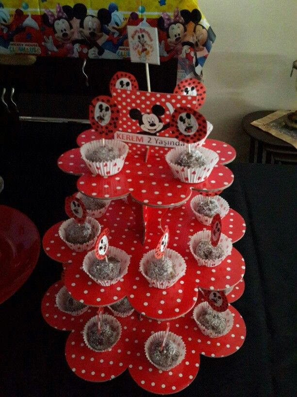 Cape cake Mickey mouse