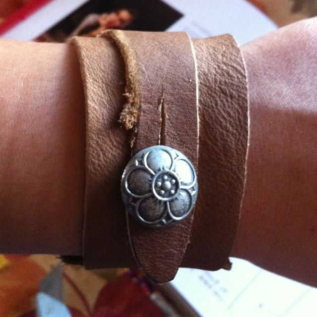 Leather cuff with vintage button!