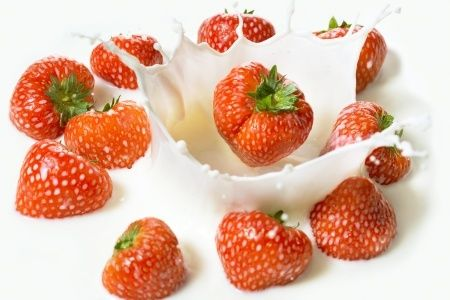 Variasi Makanan dan Minuman dari Strawberry - http://www.livingwell.co.id/post/physical-well-being/variasi-makanan-dan-minuman-dari-strawberry