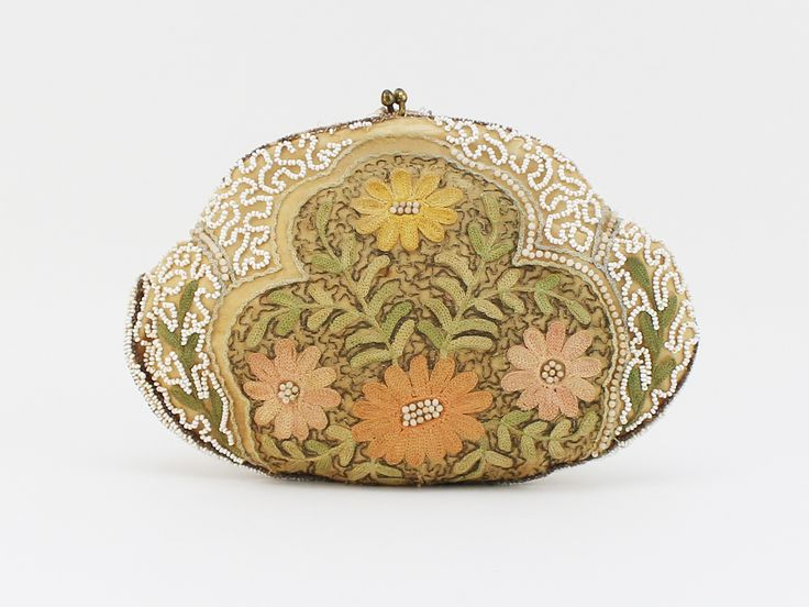 1930s Embroidered Floral Beaded Handbag