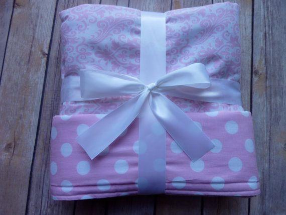 Luce rosa damascena e Light Pink Polka Dot Baby coperta - coperta di cotone - Nursery Decor - Damasco di Chevron strisce Gingham Polka dots