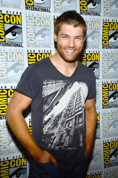 Newest celeb crush... Liam McIntyre. I need to watch Sparticus!