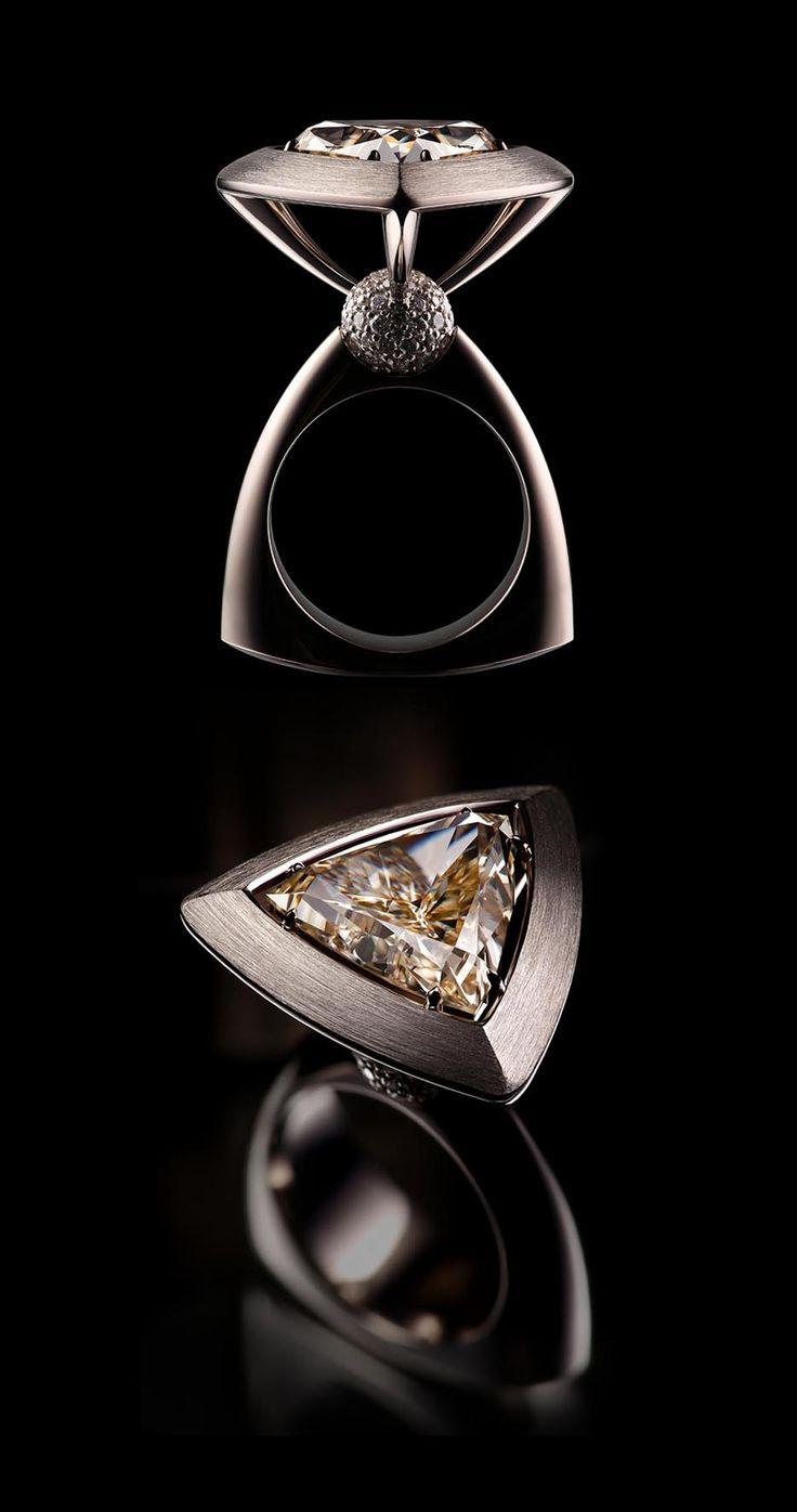 VLAD GLYNIN jewellery - vladglynin.com - Ring «Champagne», 2013. White gold, diamonds / Кольцо «Champagne», 2013 г. Белое золото, бриллианты / Anello «Champagne», 2013. Oro bianco, diamanti.