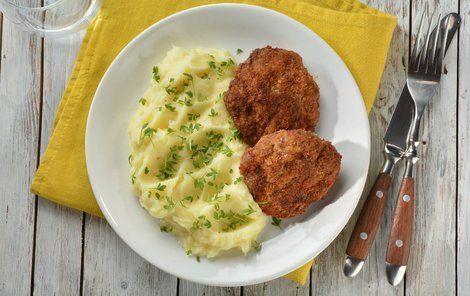 Klasický holandský řízek s bramborovou kaší - komu by nechutnal?