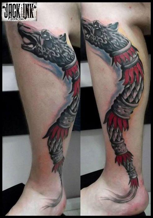 tatuaj stindard dacic pe gamba.jpg (492×700)
