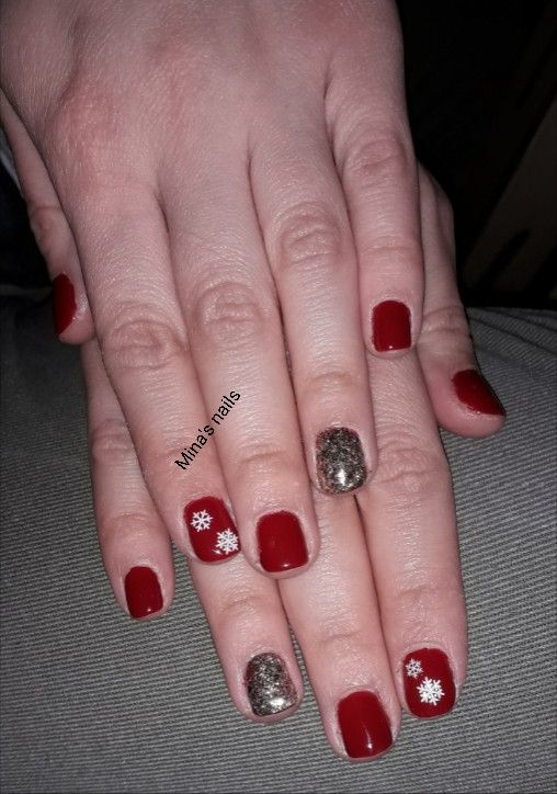 Marias lovely red nails