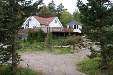 Sjekk ut dette utrolige stedet på Airbnb: Kileheia  Langenes - Hytter til leie i Søgne