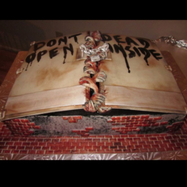 The Walking Dead cake!  My FAVE show. <3 Perfect for a Halloween Party!
