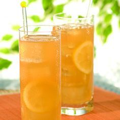 UPTOWN DELIGHT    - 2 OZ HENNESSY  - 1.5 OZ LEMONADE  - 1.5 OZ SWEET TEA  - SPLASH OF SOUR MIX  - POUR OVER ICE, SHAKE, GARNISH WITH LEMON WEDGE, SERVE!  - CAN BE SERVED IN AN ALL PURPOSE GLASS WITH ICE OR MARTINI GLASS (NO ICE)  CHEERS!!!  This is my new drink, minus the sweet tea.