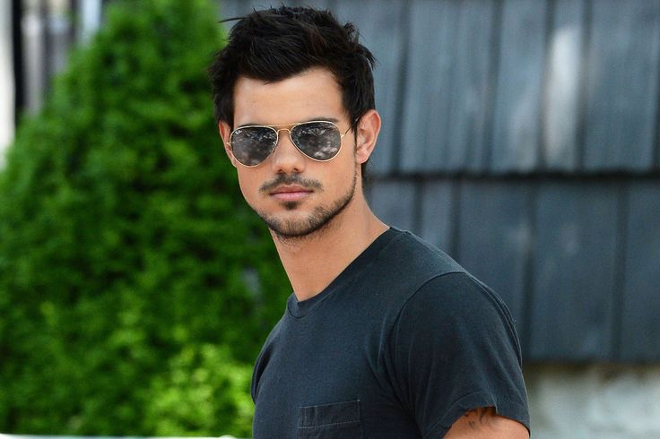 Taylor Lautner Pictures : Find best latest Taylor Lautner Pictures in HD for your PC desktop background & mobile phones.