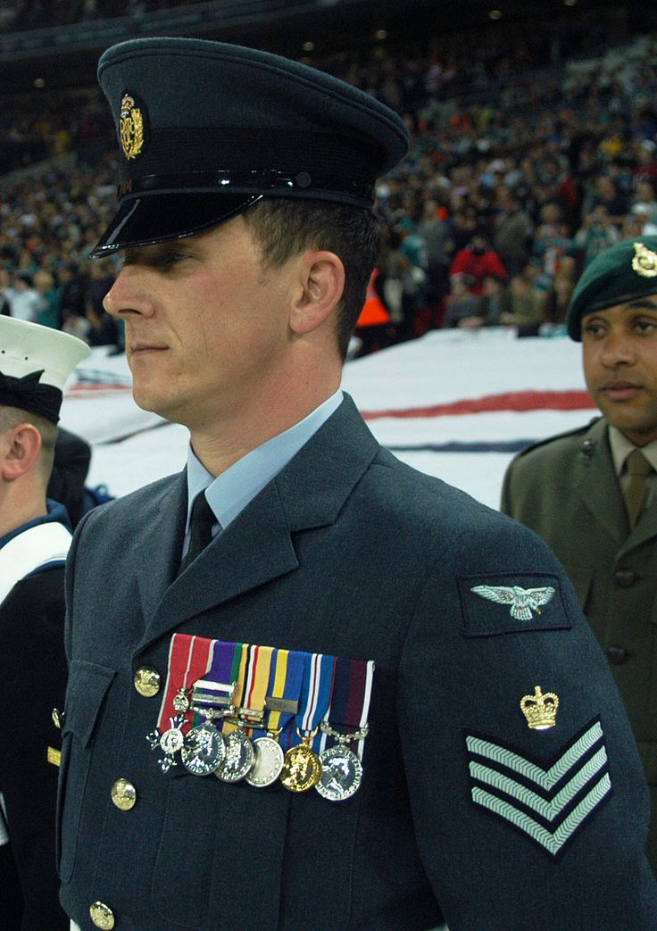 RAF Flight Sgt - Uniforms of the British Armed Forces - Wikipedia