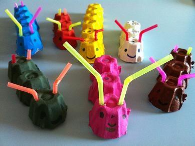 un bricolage pour les enfants de la classe de maternelle. Voici comment faire une chenille ou mille-pattes avec une boite en carton de boite à oeufs.