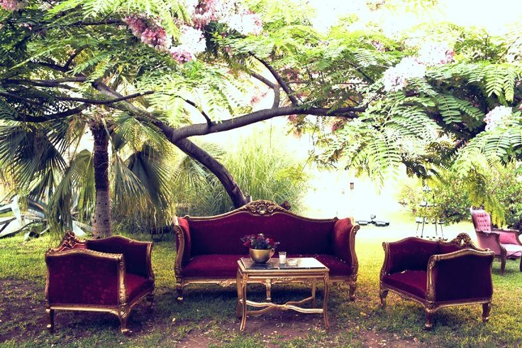 Purple Wedding Inspiration   Outdoor lounge seating area