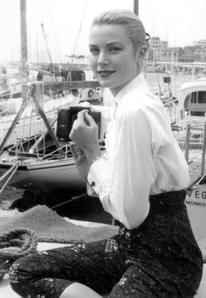 High waisted silhouettes. Grace Kelly in Cannes 1955 where she met Prince Rainier III.