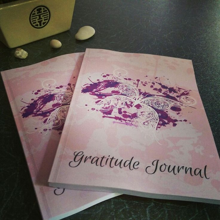 Not long left to get the no.1 #gratitude #journal for #Christmas. An #inspirational and #thoughtful #gift for her http://t.co/rns1cRajoi