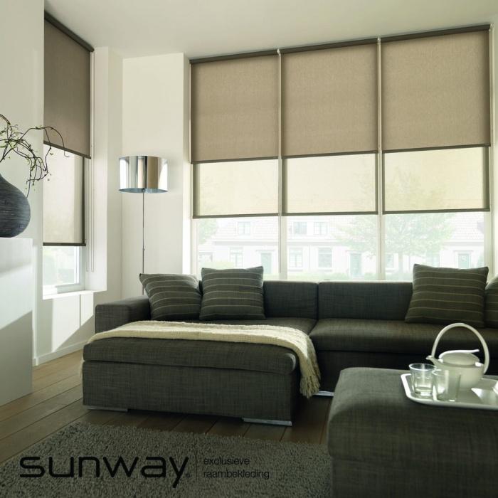 Het SUNWAY combi-rolgordijn is een model waarbij twee rolgordijnen achter elkaar geplaatst worden, bijvoorbeeld een transparante en een verduisteringsstof om een dag- en nachtsituatie te creëren. Dit model is goed toepasbaar in een slaapkamer of een babykamer.