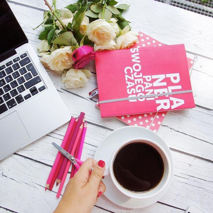 Wiecie że planer PSC ma niższą cenę na lato? Plus pakowaniem i wysyłką zajmuje się już firma dystrybucyjna więc po zamówieniu znajdzie się u Was bardzo szybko!  #planer #planerpaniswojegoczasu #planerpsc #planner #planneraddict #plannergirl #plannerlove #organizacja #planowanie #coffee #onlinebusiness #time #entrepreneurlife #mompreneur #todo #notebook #morningcoffee