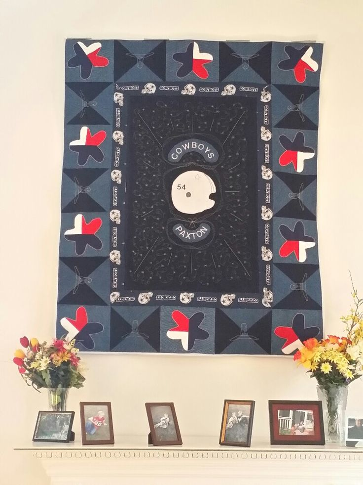 One of my dear friends ,son just loves the Dalas Cowboys. So this quilts for little Paxton