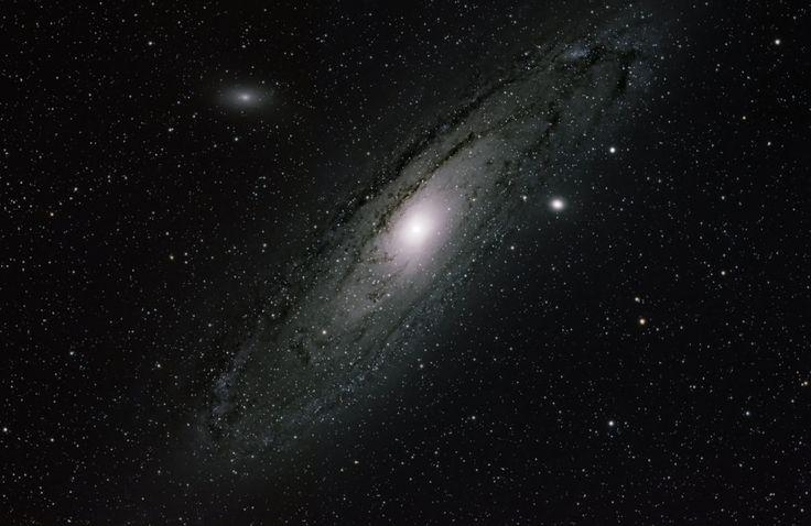 andromeda galaxy by springfieldshtos