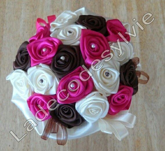 Bouquet de Mariée en satin http://Ladecodesylvie.fr #bouquetsdemariée #Mariage #Satin