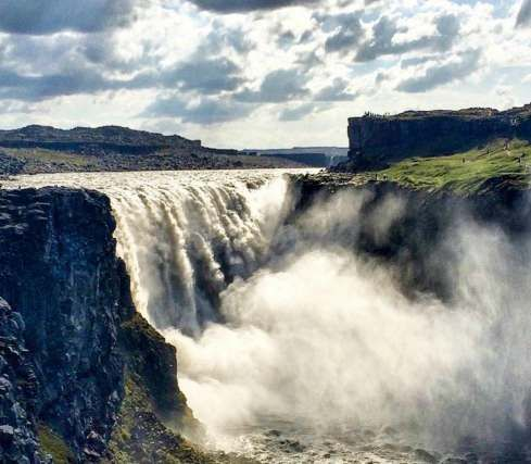 Dettifoss waterfall (Iceland) - Visit the most powerfull waterfall in Europe. Dettifoss is 100 metres wide and 45 metres deep. It has an average water flow of 193 m3/s. Want to discover more hidden gems in Europe?? All of them can be found on www.broscene.com