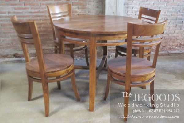 Teak minimalist of chair and dining table. Ideal for private kitchen, cafe, restaurant, bistro etc. Produced by Jegoods Furniture Indonesia, available at wholesale price.