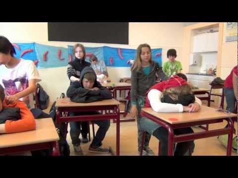 Brenda Pelser 'Massage in de klas'.mov