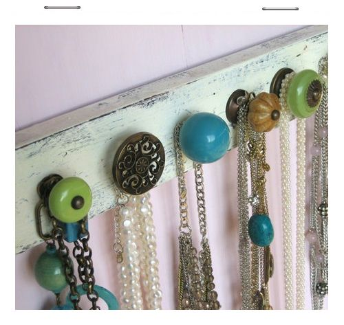Cute DIY Jewelry Hanger - gather up some odd knobs and a bit of old lumber to make a sweet little rack! ♥