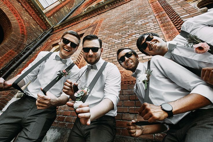 Best Man? Finding it a struggle to write a funny best man speech? Look no further... SmartGroom has a list of more than 30 jokes that can be used in any best man's speech and guarantee a giggle from the crowd... #bestman #bestmanspeech #weddingspeech