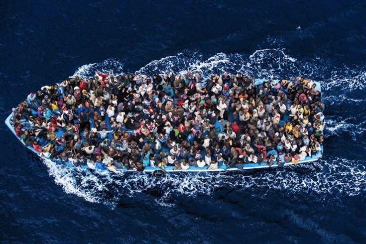 Les dix photos les plus marquantes de 2014 selon le Time Magazine : Migrants en mer © Massimo Sestini