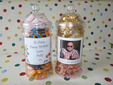 PERSONALISED TRADITIONAL SWEET JAR Filled with your pick and mix favourites! A traditional sweetie jar packed full of your favourite sweets which can be personalised to make the gift extra special. This makes a gorgeous gift full of your favourite sweets and is suitable for him or for her as a birthday gift Valentines gift Mothers Day gift Fathers Day gift a thank you gift or just for no reason at all!