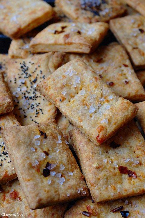 Hartige snack: kaaskoekjes - Lovemyfood.nl