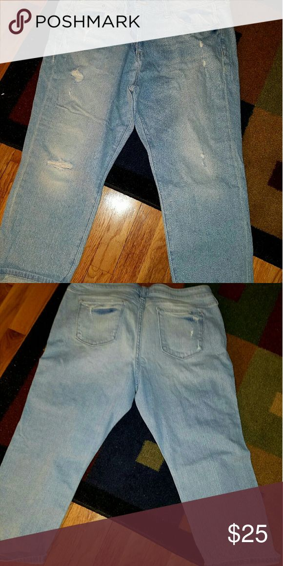 Womens capris Womens capris size 16 worn once Jeans Ankle & Cropped