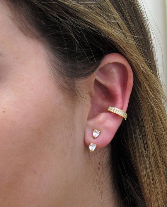 Gold Ear Jacken, Sparkly Pear CZ, 18 Karat Gold Vermeil, durchbohrte Ohr Jacke, Ear Wrap, CZ Ohr Manschette, Ohr Jacke Gold, Ohr Jacke Ohrring  – Bejeweled
