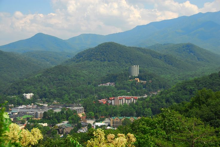 17 best images about tn vacation 2016 on pinterest for Groupon gatlinburg cabin