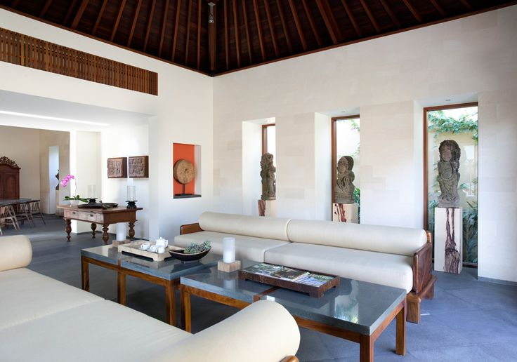 Villa Satria indoor lounge http://www.prestigebalivillas.com/bali_villas/villa_satria/49/reservation_and_rate/