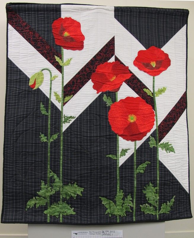 Spirit of ANZAC poppy quilt by Lyn King. From the Kauri Museum Matakohe (New Zealand)