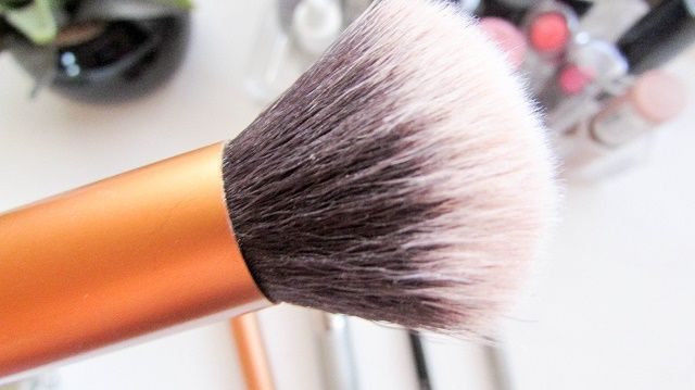 My-Everyday-​Makeup-Brushes_01.jpg (640×359)