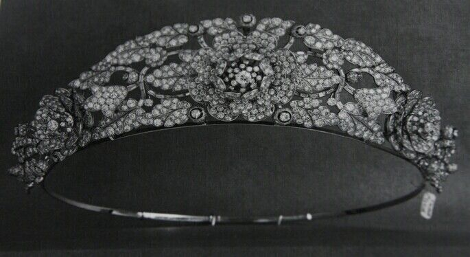 The Nizam of Hyderabad Tiara (with detachable rose brooches) made by Cartier - Queen Elizabeth ...