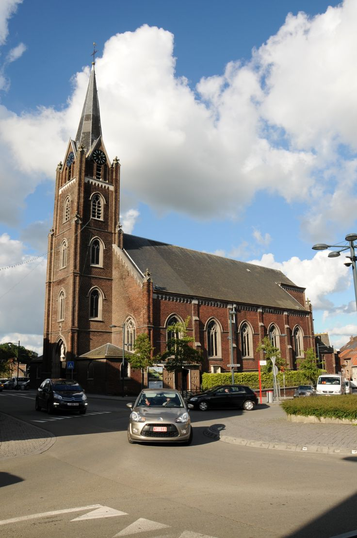 Belgium, Hinaut province, city of Moeskroen (Luingne), church