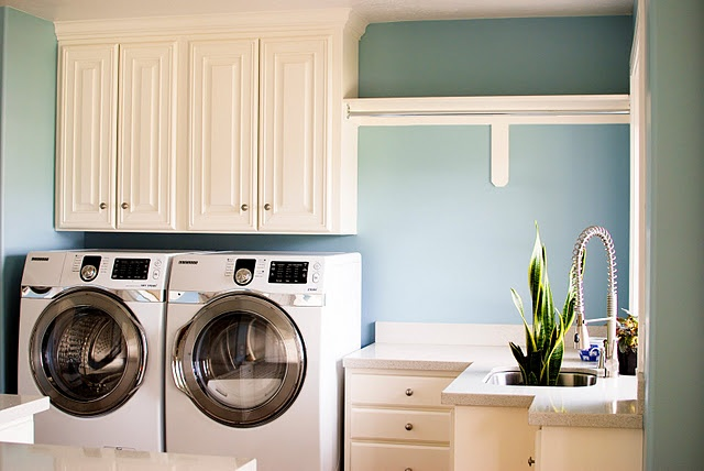 laundry room color, hanging rod