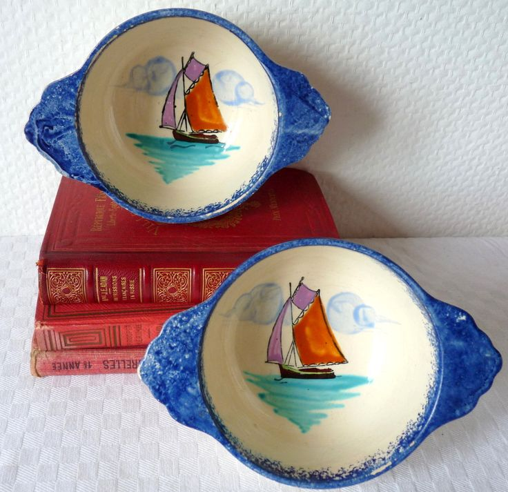 Vintage French Quimper style bowls, 2 traditional bowls with ears from Brittany, french faience, marine decor, breakfast, coffee, tea,
