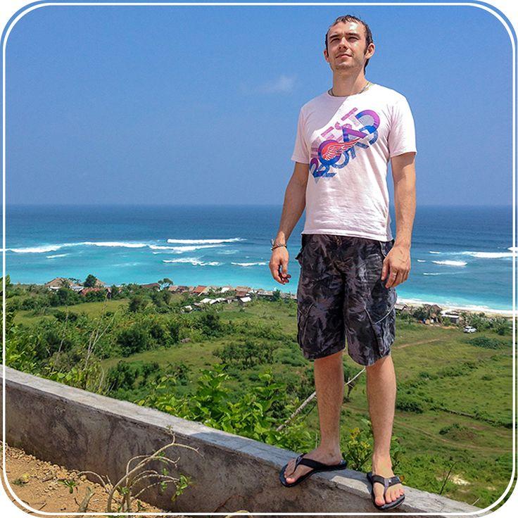 Рубрика: #Цитата_vladwhite Место фото: о.Бали, пляж Пандава, наслаждаюсь своей жизнью)  Ваше время ограничено, поэтому не позволяйте шуму чужих мнений перебивать ваш внутренний голос. Имейте храбрость следовать сердцу и интуиции. © Стив Джобс  А ты согласен с вышесказанным? Напиши своё мнение в комментарии)