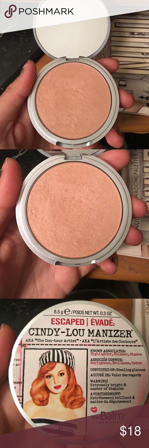 The Balm Cindy-Lou-Manizer face highlight powder Barely used highlight powder from the balm cosmetics. Slightly pink shimmery highlight. Makeup Luminizer