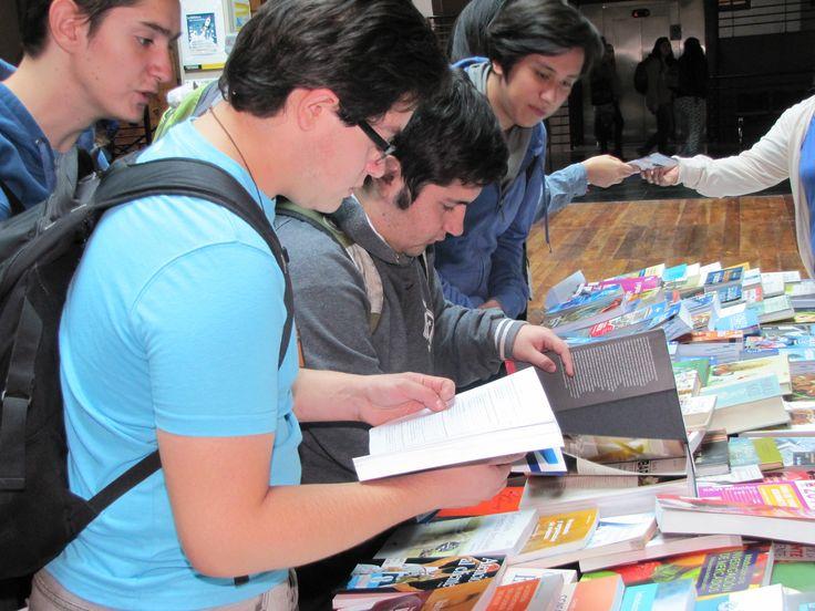 """Imágenes de """"La Biblioteca sale a tu encuentro"""", en sede Alonso de Ovalle"""