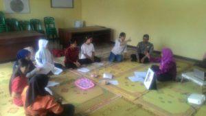 Aiptu Mudhopar Dampingi Kepala Desa dan Bidan Desa Berikan Penyuluhan Gizi Untuk Ibu Hamil dan Balita