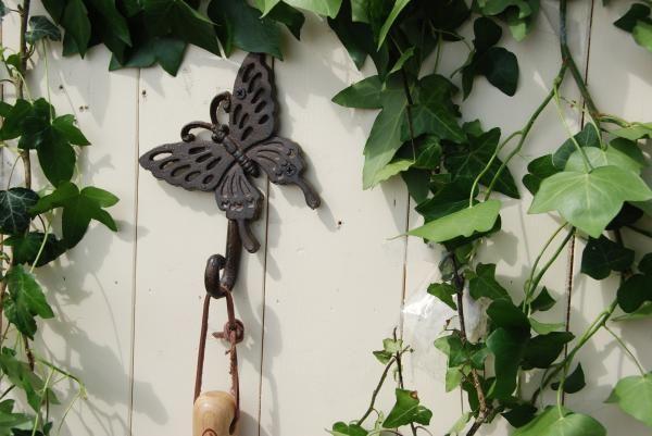 Pillangó mintás öntöttvas egyes akasztó.